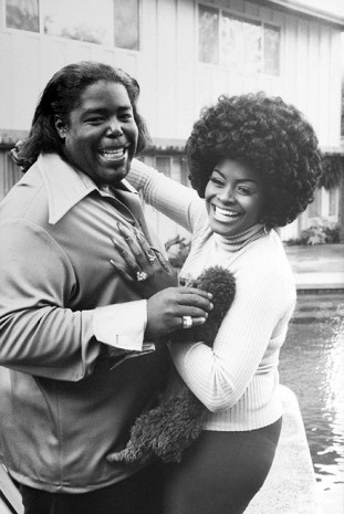 Julian Wasser, Barry White and his wife at home in Los Angeles, 1974, Wentrup