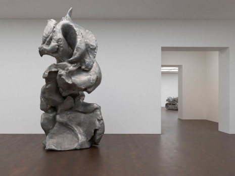 Gagosian © Urs Fischer © Charles Ray, courtesy Matthew Marks Gallery - Photo: Prudence Cuming Associates