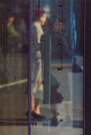 Saul Leiter, Walking, 1956 , Howard Greenberg Gallery
