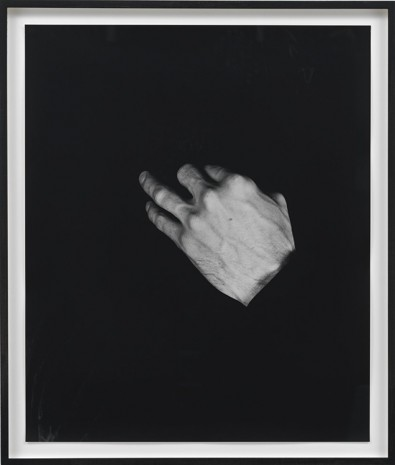 Talia Chetrit, Hand on Body (Mouth), 2012, Sies + Höke Galerie