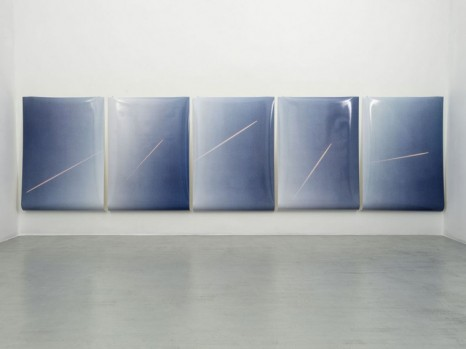 Ann Veronica Janssens, 5 Lines of Pink in the Air, Randomly, 2020, Alfonso Artiaco