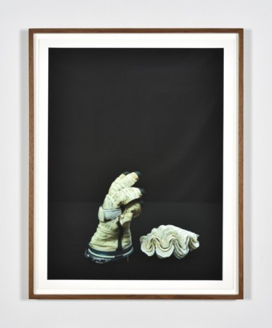 Luciano Perna, Cosmonaut Glove and Seashell, 2020, Marian Goodman Gallery