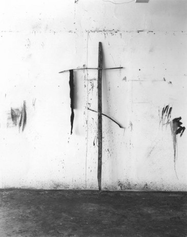 Saul Fletcher, Untitled #266 (Tall Cross), 2013, Anton Kern Gallery
