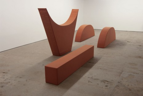 Franz Erhard Walther, Four Shapes BRICK TONE, 2008, KOW