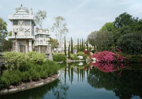 Thomas Struth, Pond, Anaheim California, 2013, Marian Goodman Gallery