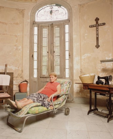 Andres Serrano, Josefina Grande in Her Lounge Chair, 2012, Galerie Nathalie Obadia
