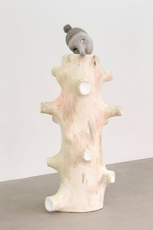 Naufús Ramìrez-Figueroa, The Perils of Entertaining / Tree Prop (large), 2014, Galerie Sultana