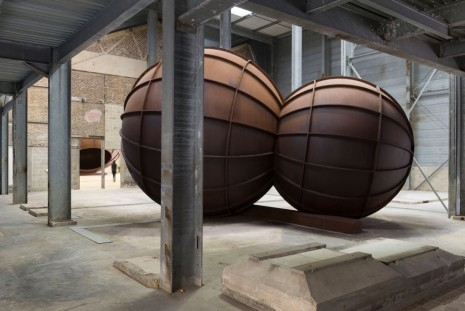 Anish Kapoor, Intersection, 2012, Galleria Continua
