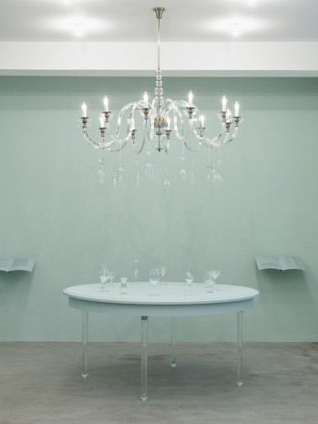 Barbara Bloom, Semblance of a House: Dining Table, 2013, Galerie Gisela Capitain