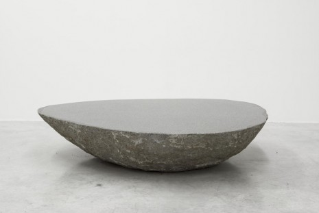 Max Lamb, Big low round boulder table, 2010, Almine Rech