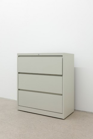 Kaz Oshiro, Lateral File Cabinet (Almond #2), 2014, galerie frank elbaz