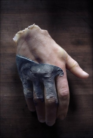 Peter Hujar, Hand Sculpture from the Tomb, 1967/2010, Mai 36 Galerie