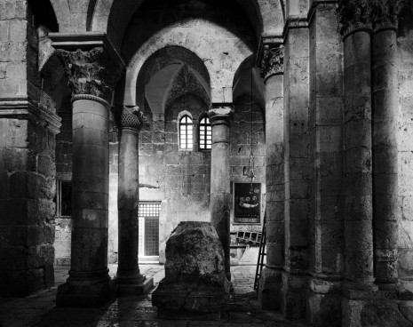 Thomas Struth, Church of the Holy Sepulchre, East Jerusalem, 2011, Monica De Cardenas