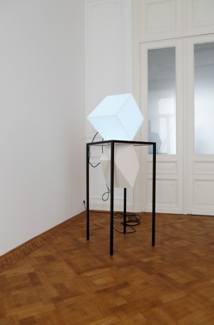 Angela Bulloch, Table Piece with Light Element, 2015, Galerie Micheline Szwajcer (closed)