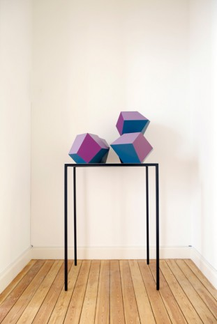 Angela Bulloch, Table Piece with Five Forms, 2015, Galerie Micheline Szwajcer (closed)