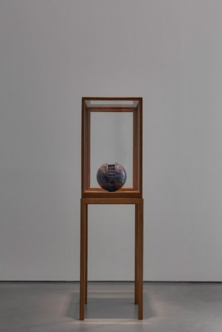 James Lee Byars, The Sphere With Stairs, 1989, Peder Lund