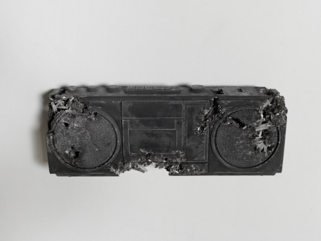 Daniel Arsham, Selenite and Ash Eroded Boombox (no handle), 2016, Nanzuka