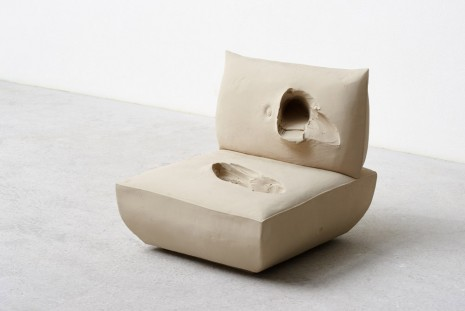 Erwin Wurm, Stand (Fauteuil Beige), 2015, Galerie Thaddaeus Ropac