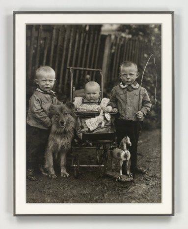 August Sander, Bauernkinder (Farm Children), ca. 1913 (printed 1972), Hauser & Wirth