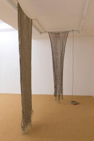 Leonor Antunes, Mesh (Hemp), 2015, Air de Paris