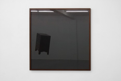 Mandla Reuter, Untitled Right, 2011, Galerie Micheline Szwajcer (closed)
