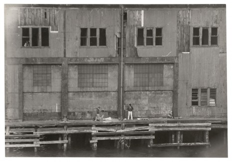 Alvin Baltrop, The Piers (exterior with four figures), n.d. (1975-1986) , Galerie Buchholz