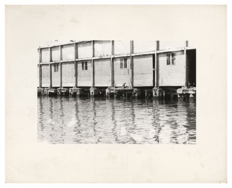Alvin Baltrop, The Piers (exterior with couple having sex), n.d. (1975-1986) , Galerie Buchholz