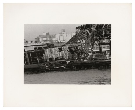 Alvin Baltrop, The Piers (collapsed architecture, couple buttfucking), 1979 , Galerie Buchholz