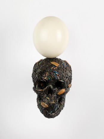 Jan Fabre, Skull with the Egg of Birth, 2013, Galería Javier López & Fer Francés