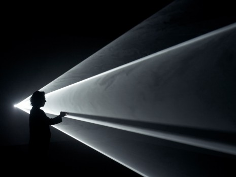 Anthony McCall, Meeting You Halfway, 2009, Sprüth Magers