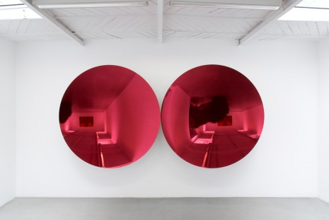 Anish Kapoor, Mirror (Magenta Apple mix 2), 2018, kamel mennour