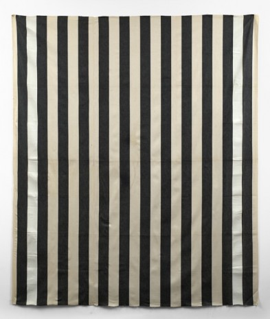 Daniel Buren, Peinture acrylique blanche sur tissu rayé blanc et noir (White acrylic paint on striped black and white cotton canvas), 1971 , Simon Lee Gallery