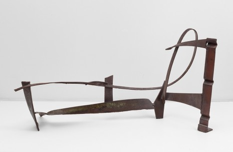 Sir Anthony Caro, Floor Piece B124, 1975