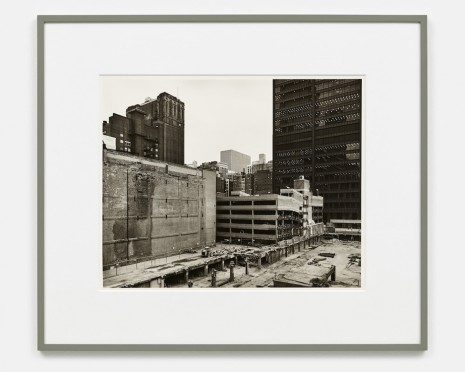 Thomas Struth, The Loop Towards Dearborn Street, Chicago 1990, , Galerie Max Hetzler