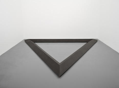 Bruce Nauman, Triangle, 1977-1986 , Simon Lee Gallery