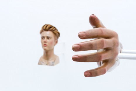 Paul Pfeiffer, Justin Bieber's head and left arm, 2018, carlier I gebauer