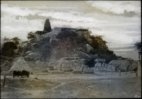 Thomas Ruff, tripe_18 Veralimalay. Pagoda on a rocky hill from east south east., 2018 , Mai 36 Galerie