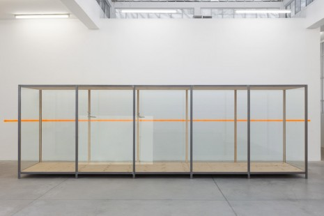 Gabriel Sierra, Untitled, vitrine (The habitual distance between in and out), 2008-2019, Galleria Franco Noero
