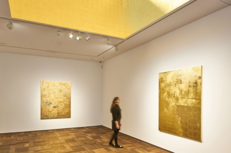 Stefan Brüggemann, UNTITLED ACTION (GOLD PAINTINGS), Hauser & Wirth