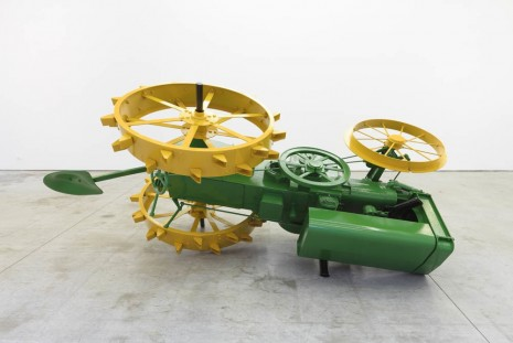 James Angus, John Deere Model D, Gavin Brown's enterprise