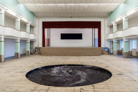 Anish Kapoor, Descension, Galleria Continua