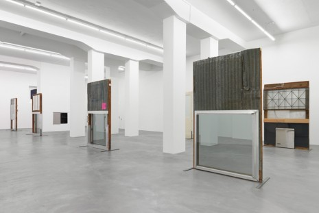Oscar Tuazon, See Through, Galerie Eva Presenhuber