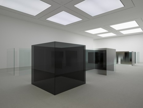 Larry Bell, Smoke On The Bottom, White Cube