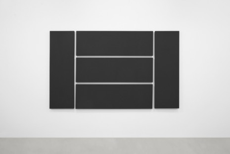 Alan Charlton, Grey Paintings, A arte Invernizzi